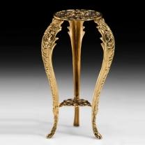 Столик из бронзы для вазы