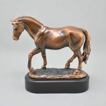 Скульптура Жеребец
